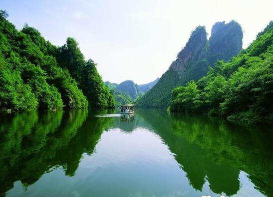 ��峰湖景色�L光